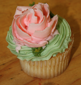 Deluxe Rose Cupcakes